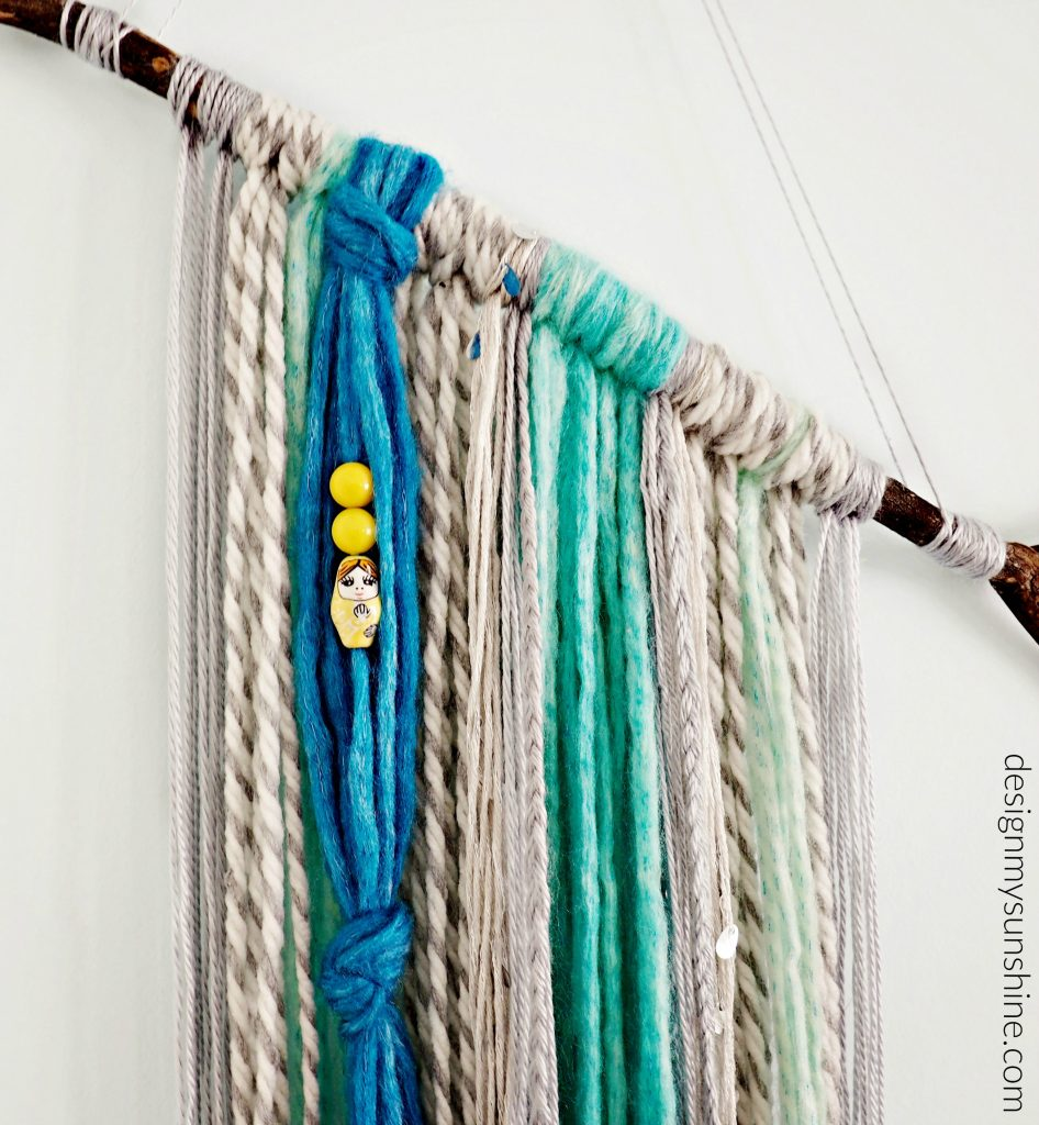 DIY, DIY yarn wall hanging, art, hanging, bohemian, modern farmhouse,